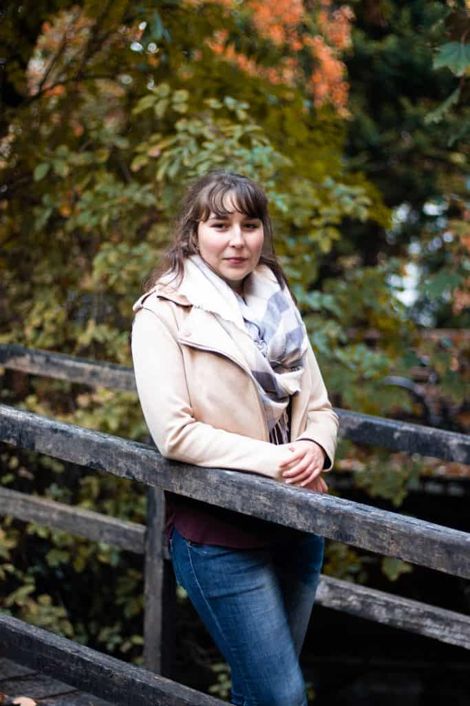 Portrait photo nature de Céline Gauthier, membre des So'Fizz, designer végétal