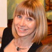 Portrait photo de Agnès Podsadny, décoratrice d'intérieur et coach en rangement libérateur